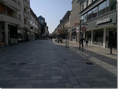 Fussgängerzone in Hanau an einem Samstag Vormittag im März